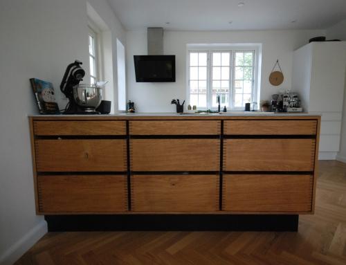 Håndlavet køkkenø i massiv eg, 8230 Åbyhøj